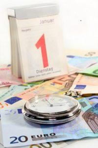Festgeldkonto Verlängerung Taschenuhr, Kalenderund Euroscheine