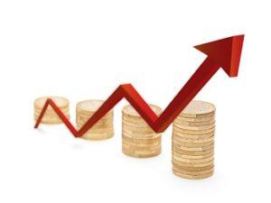 Maximaleinlage Tagesgeld Roter Pfeil- und Münzenwachstumdiagramm
